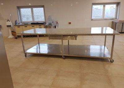 Mesa de pastelería mármol blanco carrada