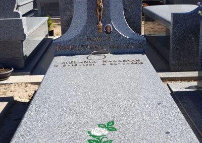 Lápidas de granito con dibujo