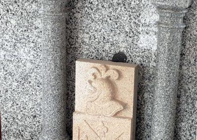 Escudo de granito claro