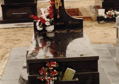 Lápida Negro Chavo